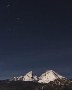 Der Watzmann bei Sternenhimmel