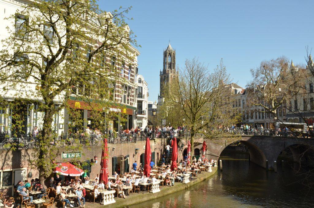 Utrecht: Oudegracht - Die alte Gracht in der Stadt.
